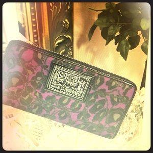 NWT COACH Purple Poppy Wallet